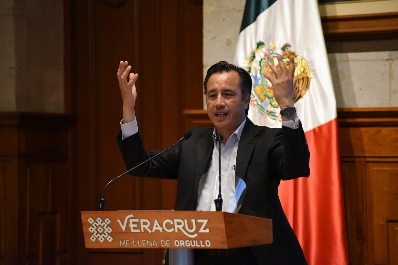 Mientras no haya semáforo en rojo en municipios, se regresa a clases presenciales: Cuitláhuac