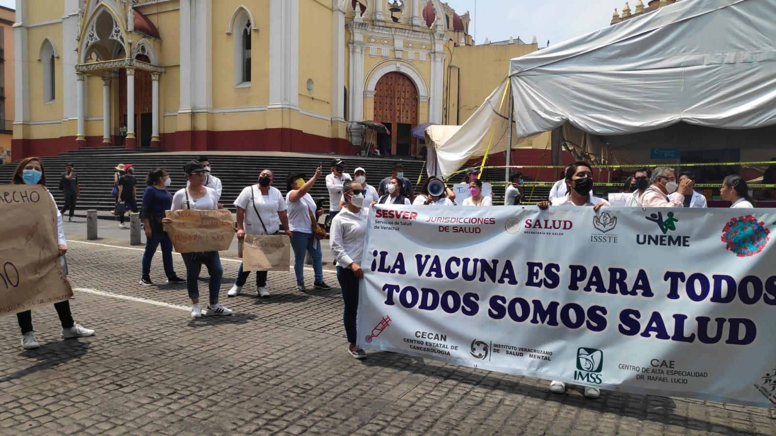 Protestan nuevamente trabajadores de SS para exigir vacunas contra el Covid-19