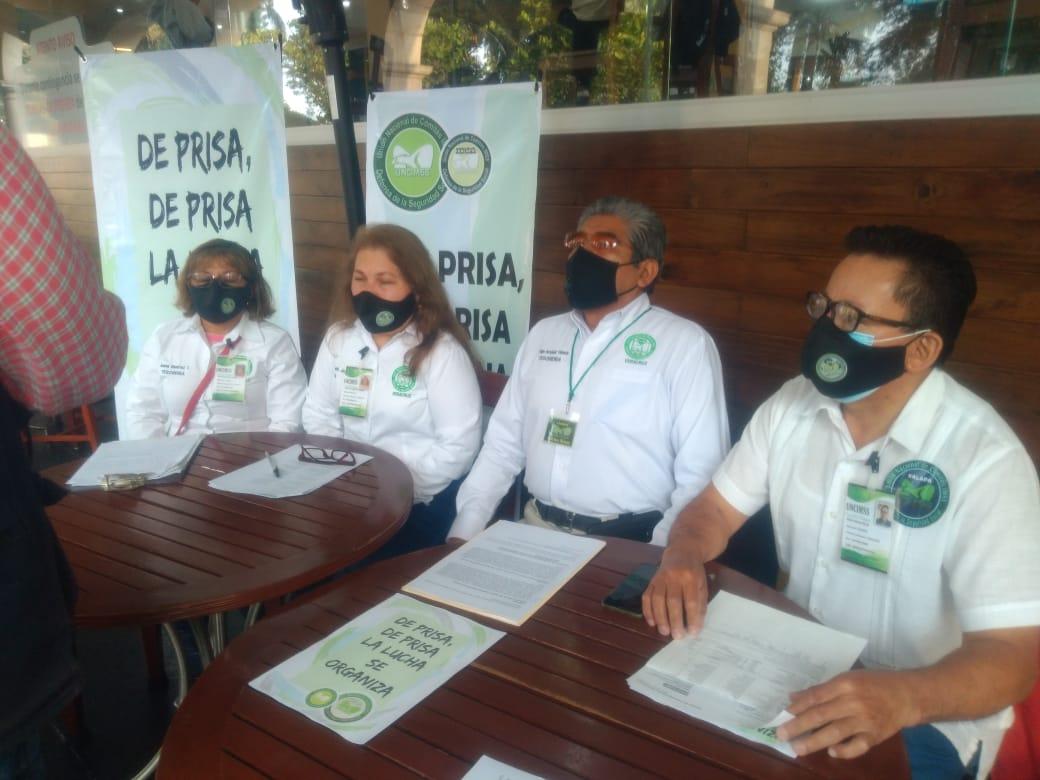 Jubilados del IMSS protestan para exigir que sean devueltos ahorros de cesantía y vejez
