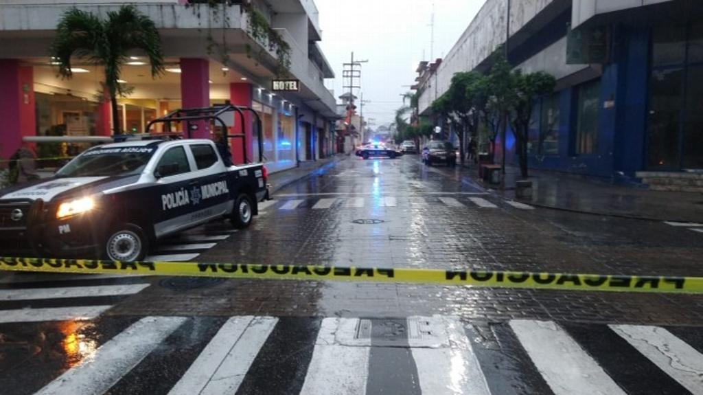 Hombre muere al arrojarse del quinto piso de un hotel en región centro de Veracruz