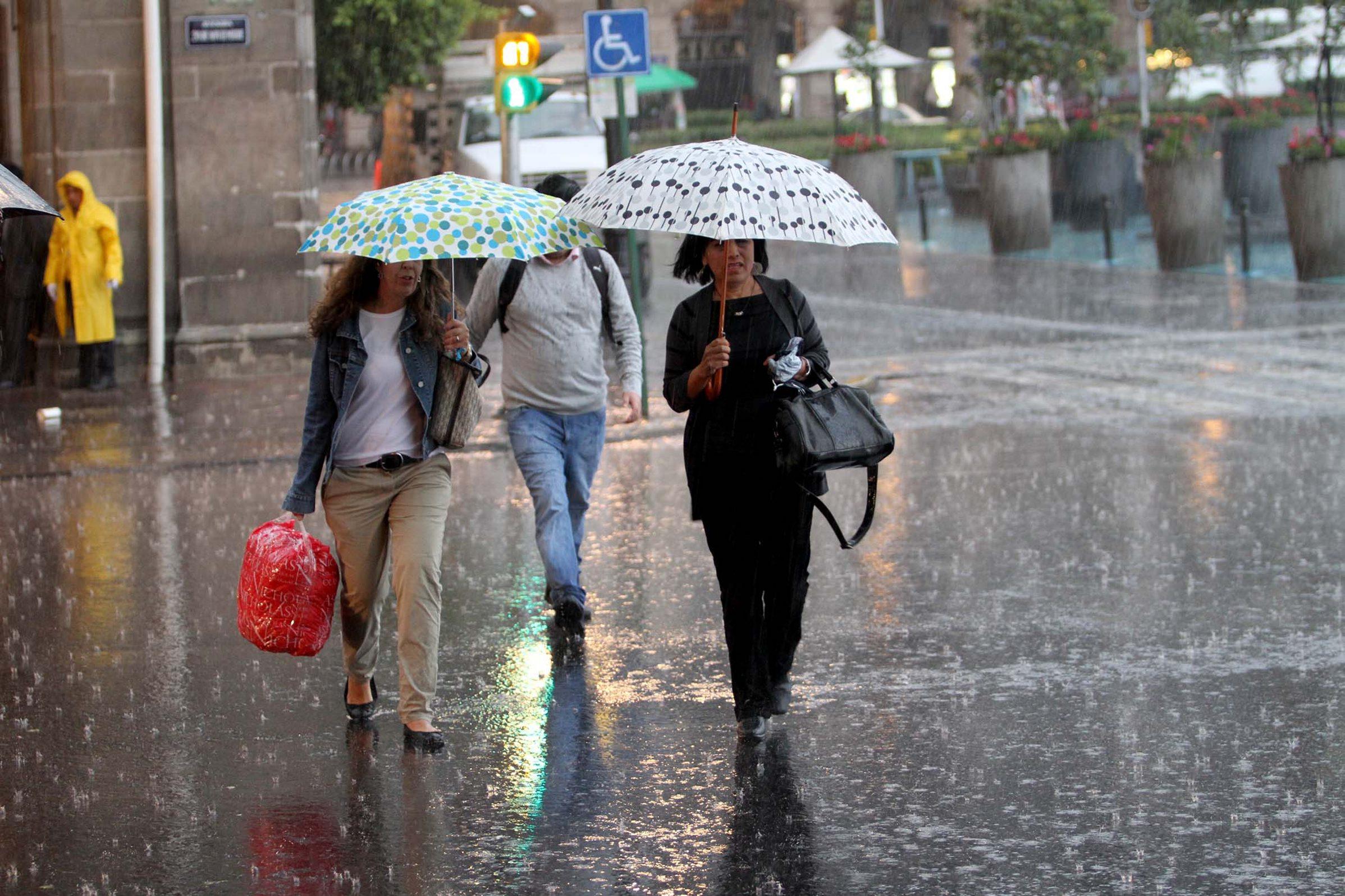 Pronostican lluvia en zona costera del estado de Veracruz