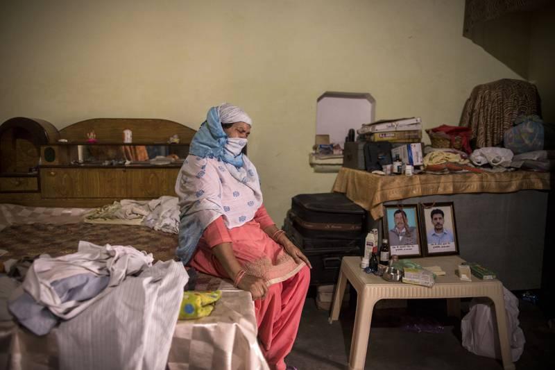 Covid en la India provoca Muerte de familias enteras.