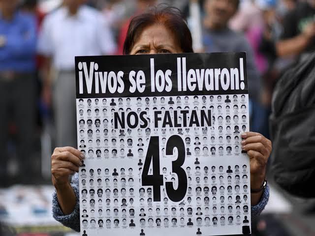 No hay avances en las investigaciones de los 43 desaparecidos de Ayotzinapa: Sobreviviente.