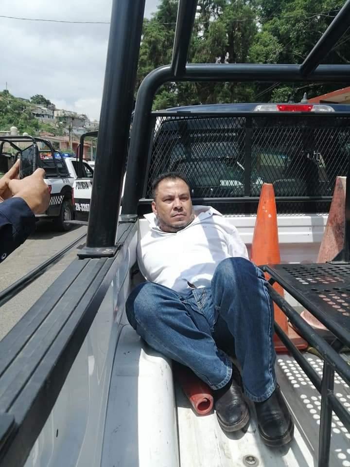 Detienen a alcalde de Alto Lucero y a su chofer
