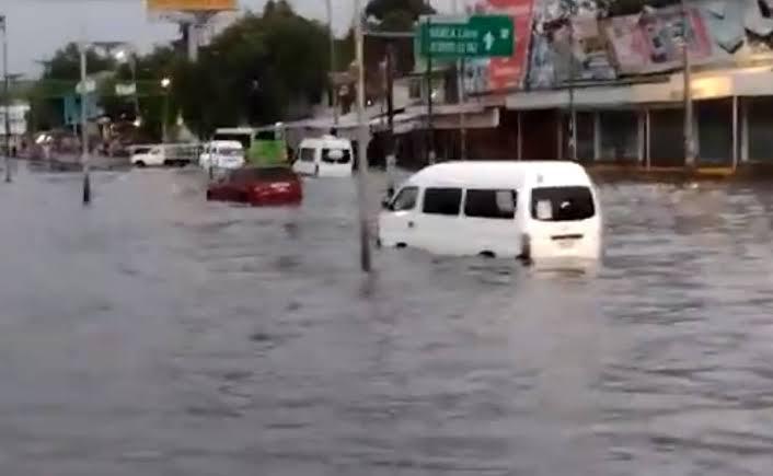 Suman 270 viviendas afectadas por tormenta al oriente del Valle de México