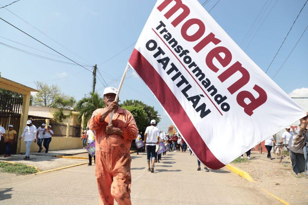 Más de 2 mil morenistas realizaron la marcha de la unidad en Otatitlán