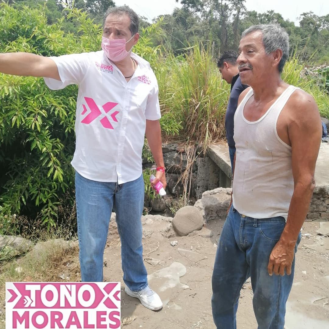 Visita Toño Morales a vecinos del Terraplén y la Colonia Graciano Sánchez
