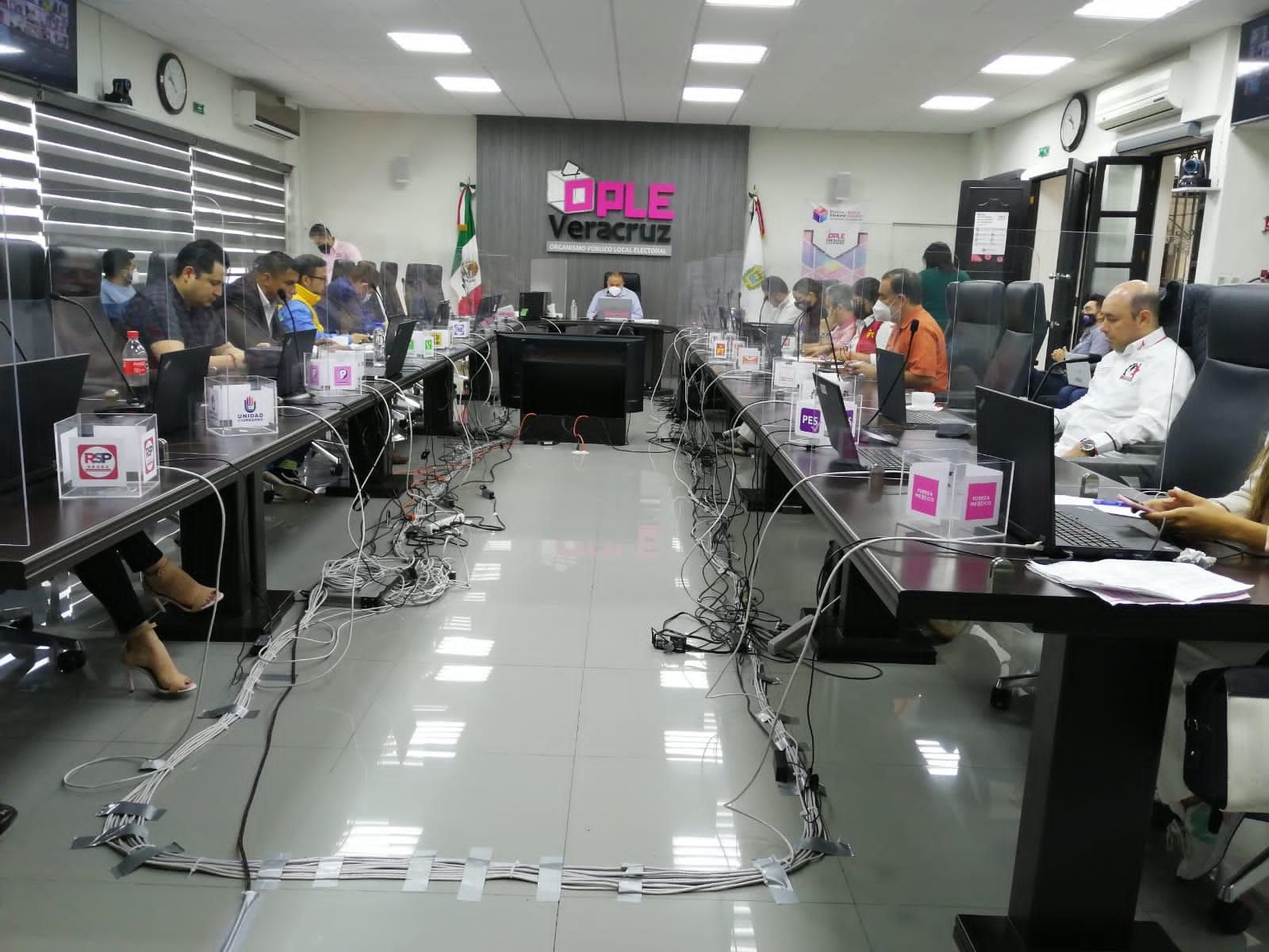 Analiza OPLE atraer cómputo de Álamo tras quema de paquetes