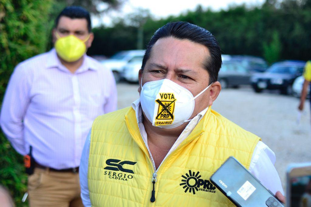 """México no será el país de un solo hombre """"loco"""", afirma PRD"""