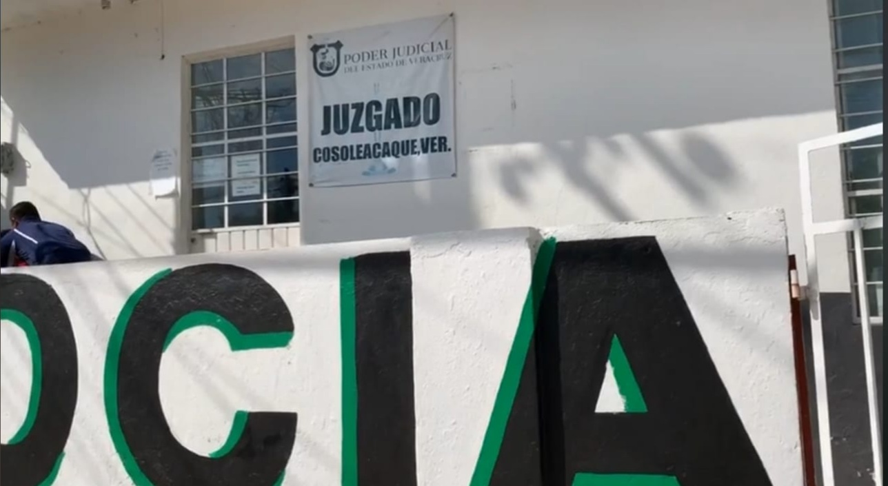 Denuncian abogados cobro de cuotas en juzgado de Cosoleacaque