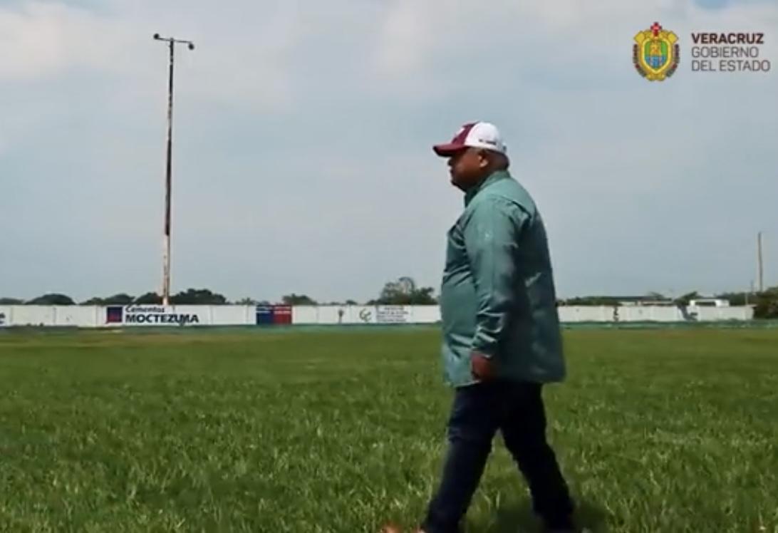 Reitera Eric Cisneros que se rehabilitará el campo de beisbol de Cosamaloapan