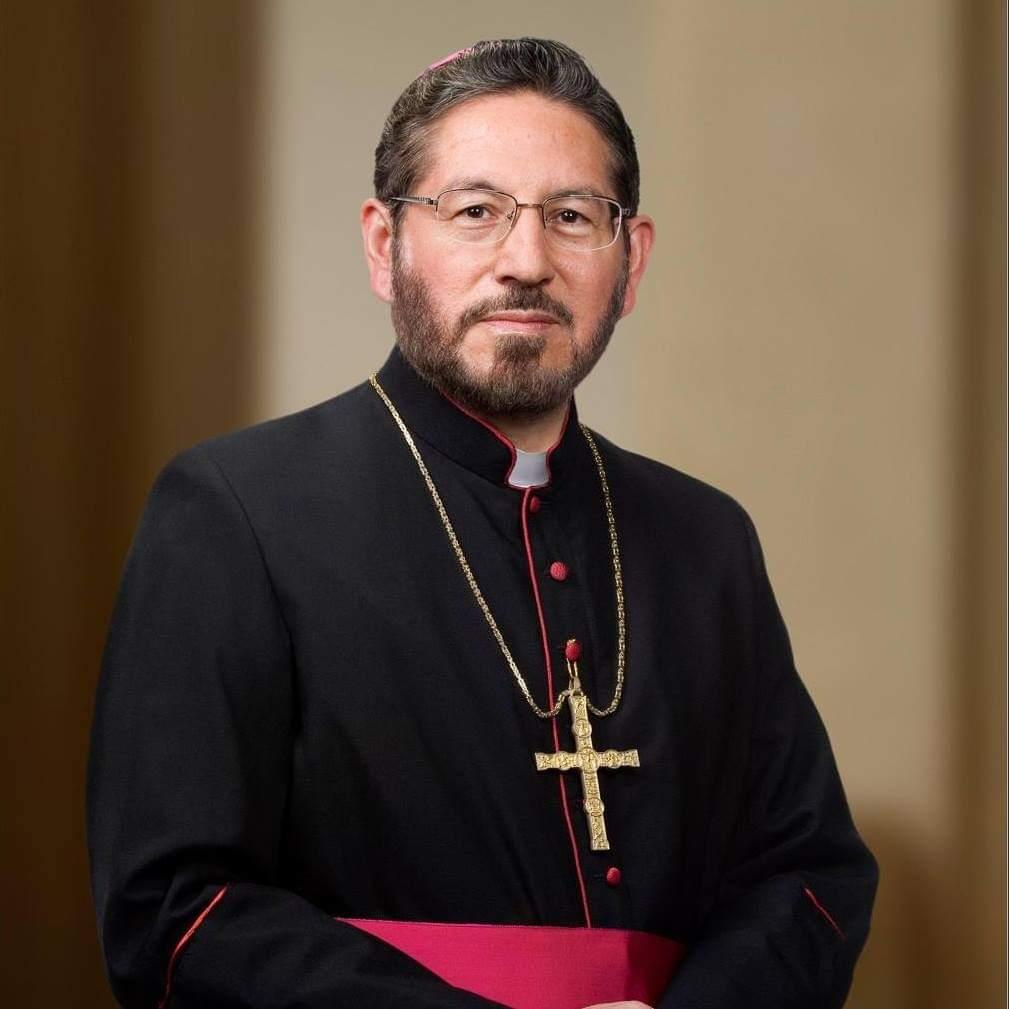 Presentará arzobispo Hipólito Reyes Larios renuncia a su oficio, en agosto
