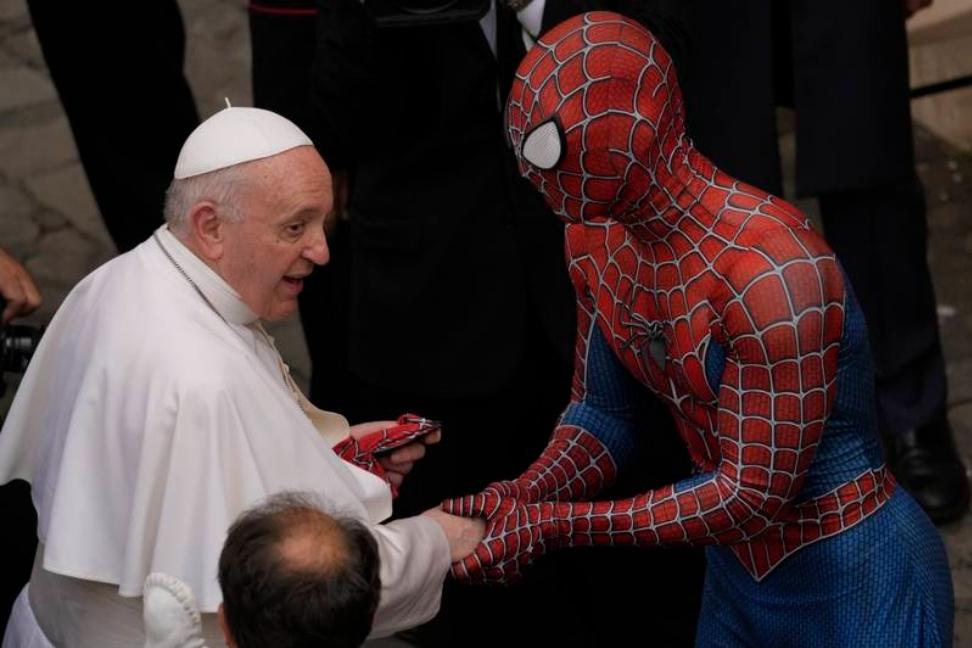Hombre Araña se reunió con el Papa Francisco