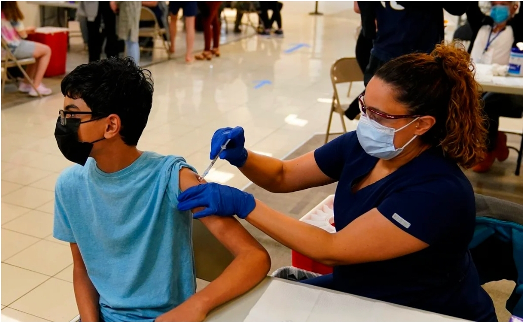 Autorizan en México vacuna pfizer para mayores de 12 años