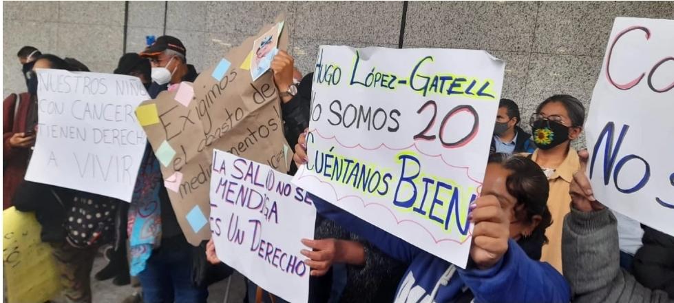 Protestan padres de niños con Cáncer por falta de medicamentos en CDMX, Yucatán, Veracruz, etc.