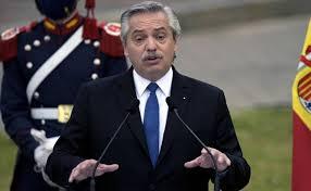 Mexicanos salieron de los indios, brasileños de la selva, nosotros de Europa: presidente de Argentina.