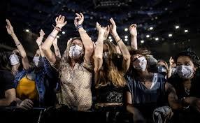 Francia realiza conciertos masivos durante la pandemia