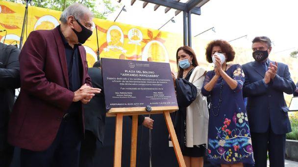 Inauguran La Plaza del bolero, Armando Manzanero