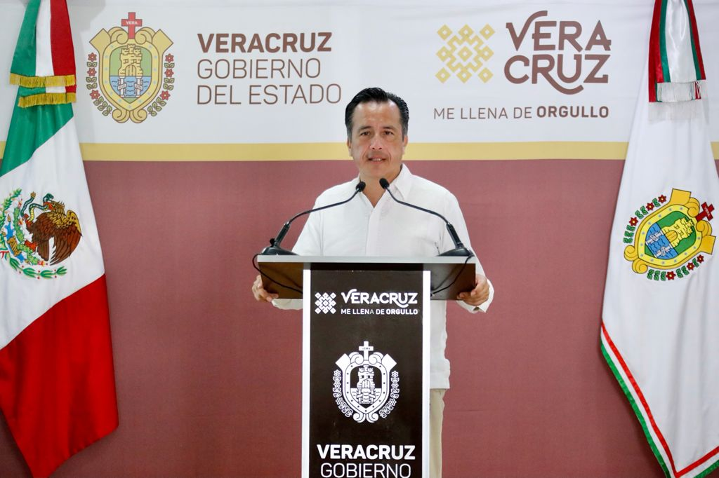Gobernador pide a jóvenes que si un antro está lleno, mejor se vayan a otro