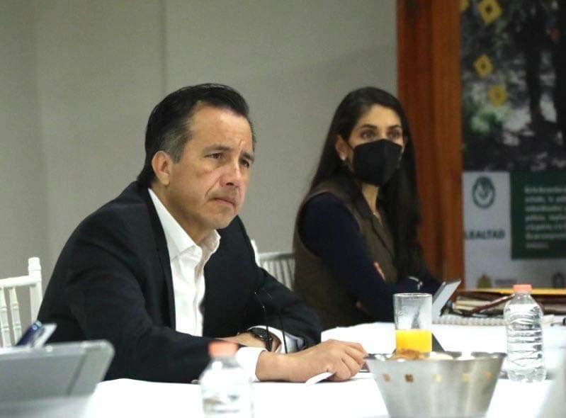 """Postulará Gobernador nota falsa de suicidio de Omar N a sección """"quien es quién"""" en la mañanera"""