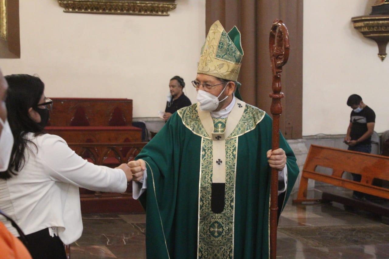 Crítica Arzobispo a diputadas que sólo brincan de partido para ser legisladoras y promover aborto