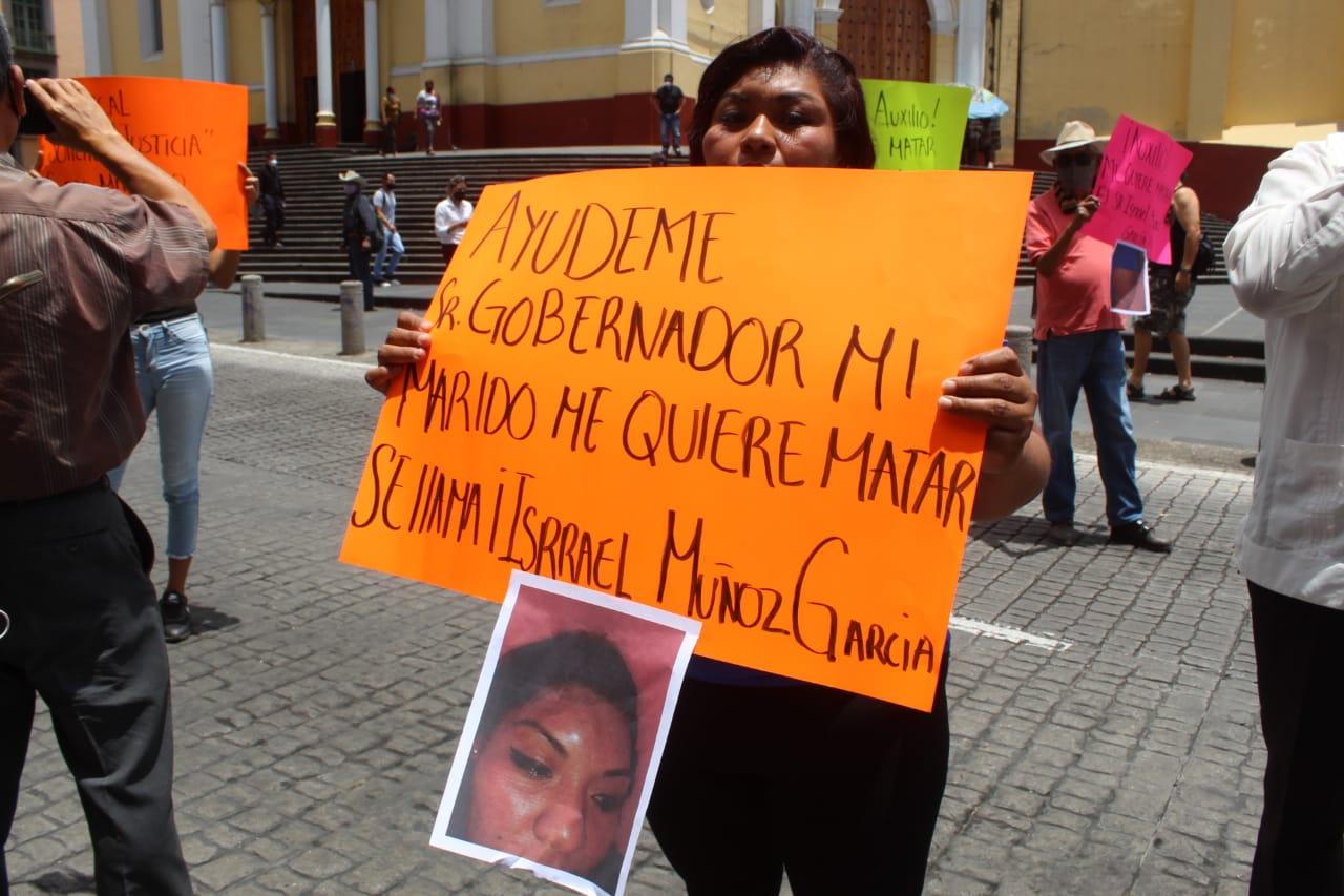 Cansada de que no atiendan su caso de violencia familiar, víctima cierra la calle Enríquez
